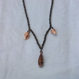 Chain necklace with shells (item#20)